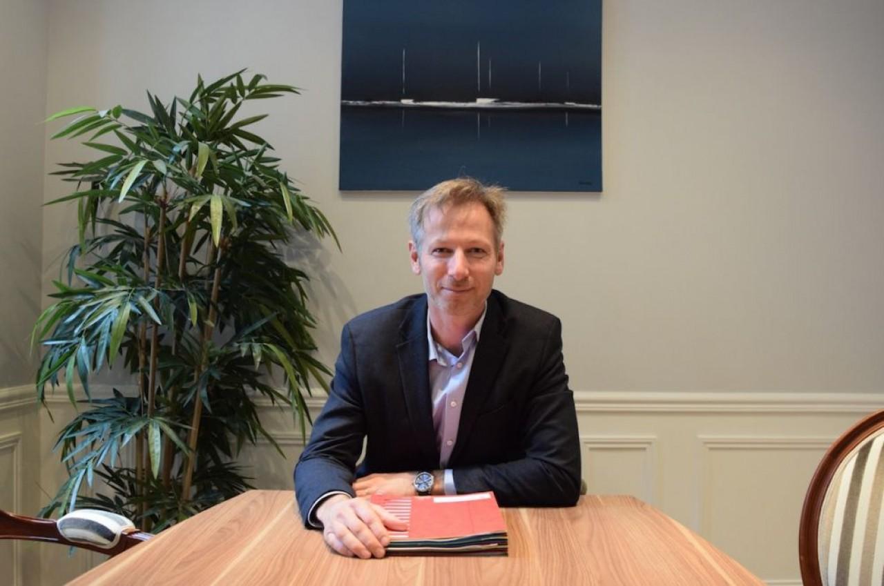 Victor-Emmanuel Minot dirige à Beaune et Paris, le cabinet de conseil en cession d'entreprise qui porte son nom. © Traces Ecrites
