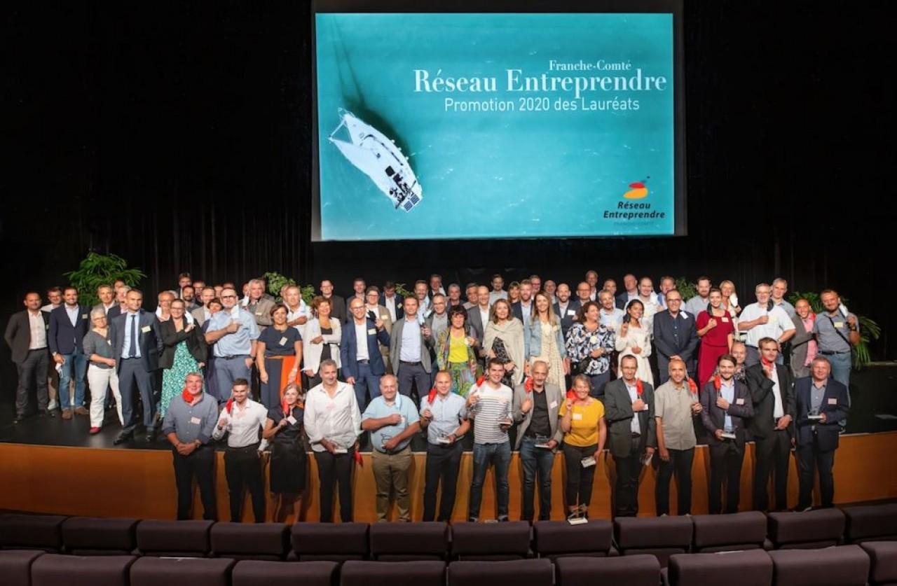 Les membres et lauréats de la promotion 2020 de Réseau Entreprendre Franche-Comté. ©Coeur de prod