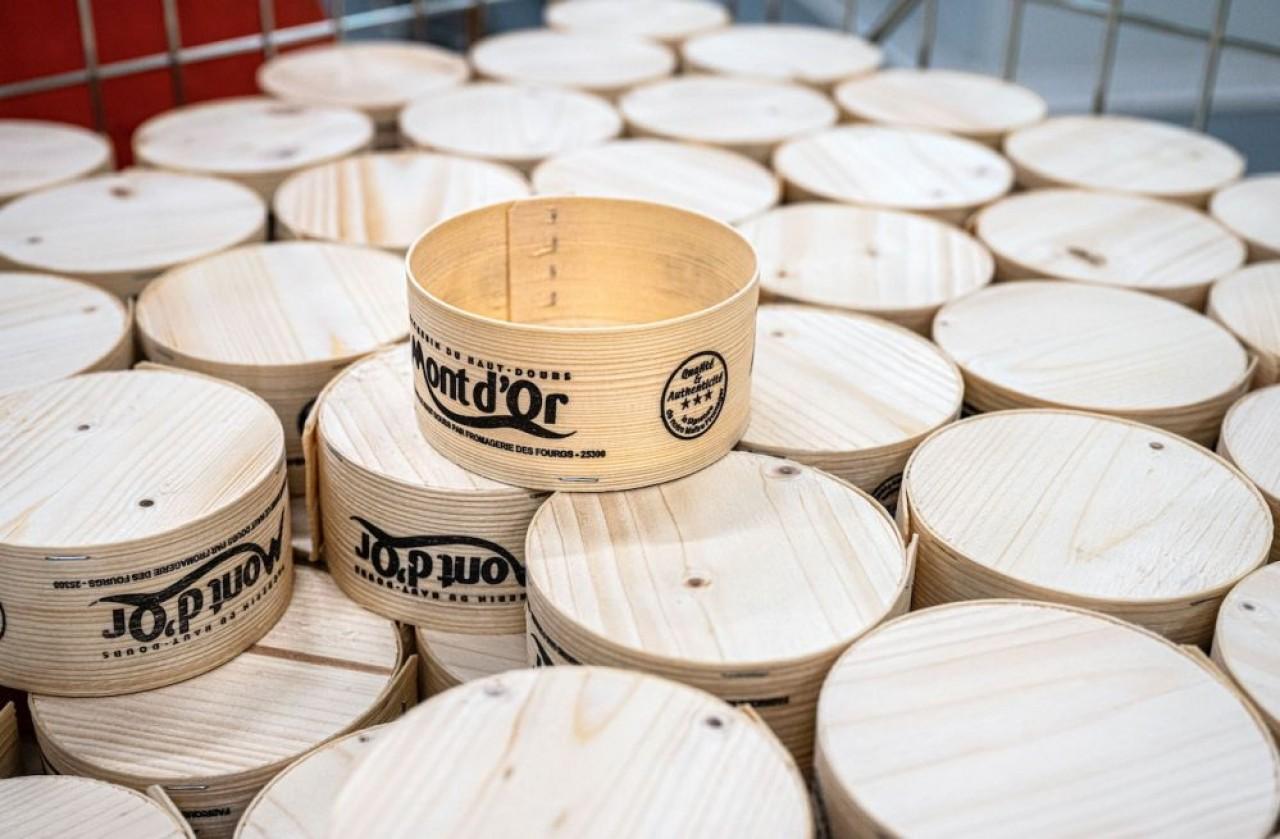 Solibois est le dernier né des fabricants de boîtes à Mont d'Or qui ne sont que quatre en Franche-Comté. © Laurent Cheviet