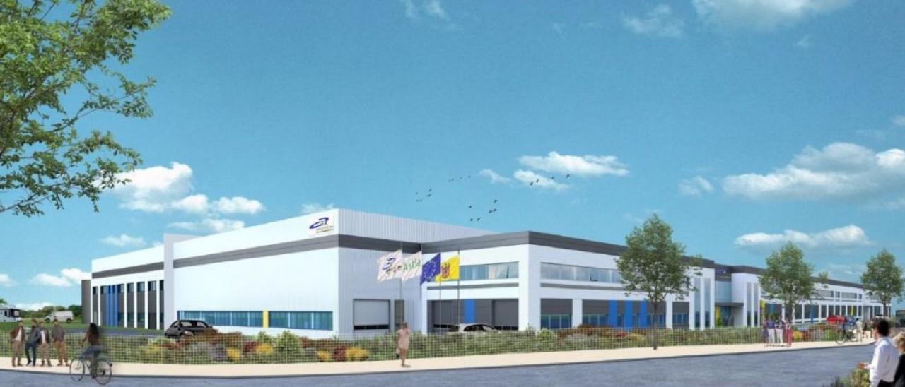 La future usine de près de 22.000m2 de l'espagnol Grupo Antolin, en construction sur la zone Temis à Besançon, à partir du printemps 2021.