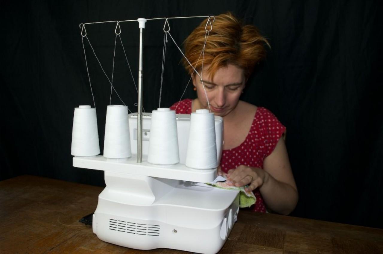 La créatrice de Douxdoubs s'est mise à fabriquer elle-même des produits d'yhgiène lavables, faute d'avoir trouvé des fournisseurs à proximité de son lieu d'implantation, dans le nord Franche-Comté.