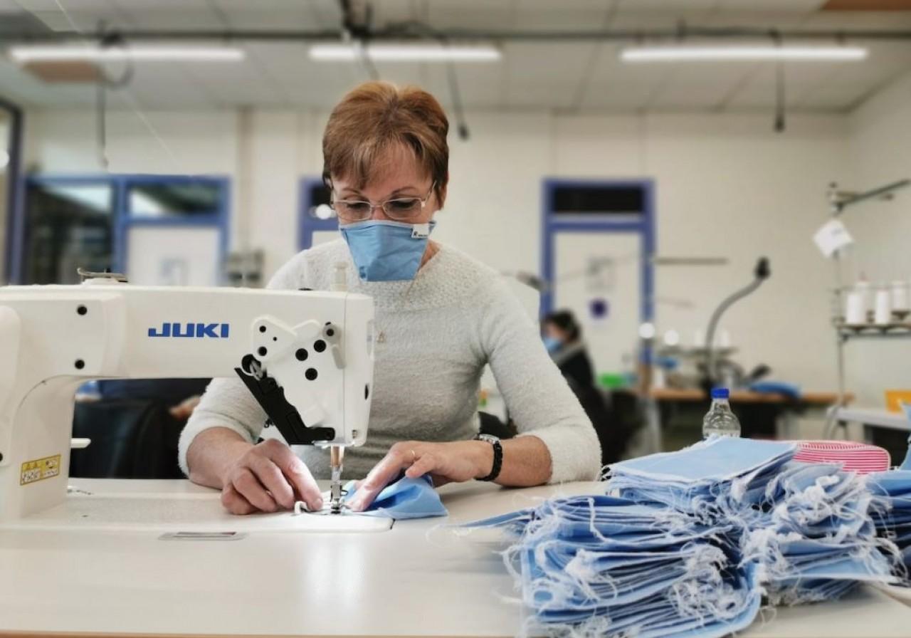 Pour poursuivre son activité après les masques, L'Atelier Textile Jurassien recrute des spécialistes de l'industrie textile.