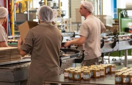 Les Compagnons du Miel investissent près de 6 millions d'euros dans le Jura pour développer leur propre marque