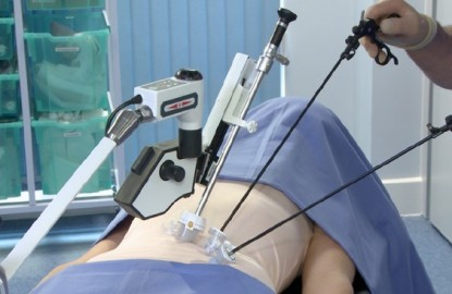 iin medical fait le pari de la robotique chirurgicale