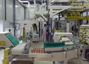 Ligne d'ensachage automatique dans l'usine Eurogerm de Saint-Apollinaire.