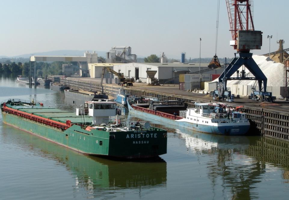 Les Ports De L Est Se Mettent Flot