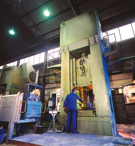 Beck Technologies bénéficie d'un presse de 1250 tonnes de puissance de frappe.