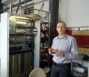 Gérald Simon, le dirigeant, défend la notion d'automatique qui regroupe des métiers de l'électricité industrielle, de l'automatique et de l'informatique industrielle.