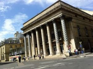 Les colonnes du théâtre de Dijon vont bientôt changer de décor.