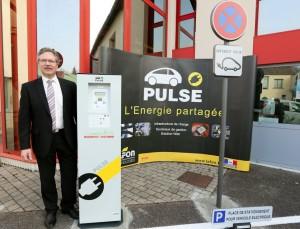 Jean-Luc Coupez, directeur de l'innovation dans une station de recharge de véhicules