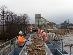 L'installation de tri des déchets de déconstruction à la carrière de Merey-sous-Montrond (Doubs).