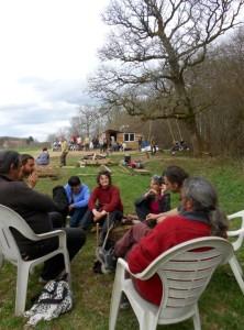 Il faudra une quinzaine de jours pour déplacer le campement de la Zone à Défendre du bois du Tronçay.
