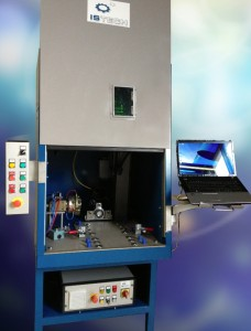 La fabrication de la caisse conçue par Istech est sous-traitée dans une entreprise de tôlerie.
