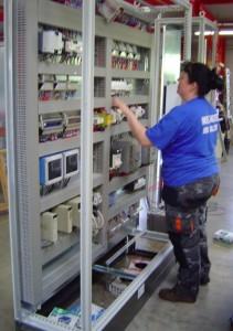 Innovelec Industrie fabrique notamment des armoires électriques pour le ferroviaire.
