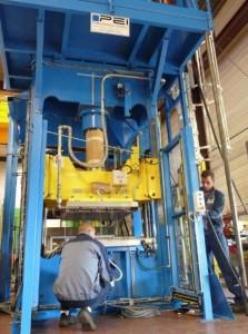 Pinette Emidecau Industries fabrique des presses hydrauliques de formage pour l'aéronautique et le spatial.