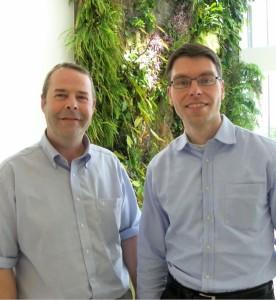 Peter Braendlé à droite, président du directoire de Weleda France et, à gauche, Pascal Baillie, directeur des opérations.