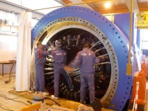 Apprentis au travail chez Alstom Power à Belfort.