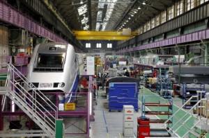 Atelier de finition des motrices TGV à Belfort.
