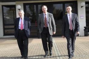 Philippe Hénon, Président et directeur scientifique de CellProthera, Jean-Claude Jelsch, directeur financier et Christophe Valat, directeur du développement.