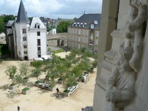 Vue sur la cour du château, d'une coursive parfois ouverte au public.