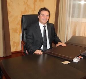 Dominique Prudent, dans son bureau de Branges.