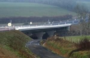 Le viaduc de Volesvres, près de Paray-le-Monial, un des derniers gros aménagements sur la RCEA en Saône-et-Loire, mis en service fin 2012. (Photo : Dreal Bourgogne)