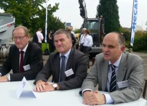 Didier Stainmesse au centre, entouré de Jean-Claude Lagrange (à gauche) et de Jean-Luc Trottin d'Eiffage Rail.