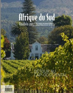 Belle image de vignoble et d'architecture typique en couverture de l'album de témoignages et photos édité pour la circonstance par DijonCongrexpo.