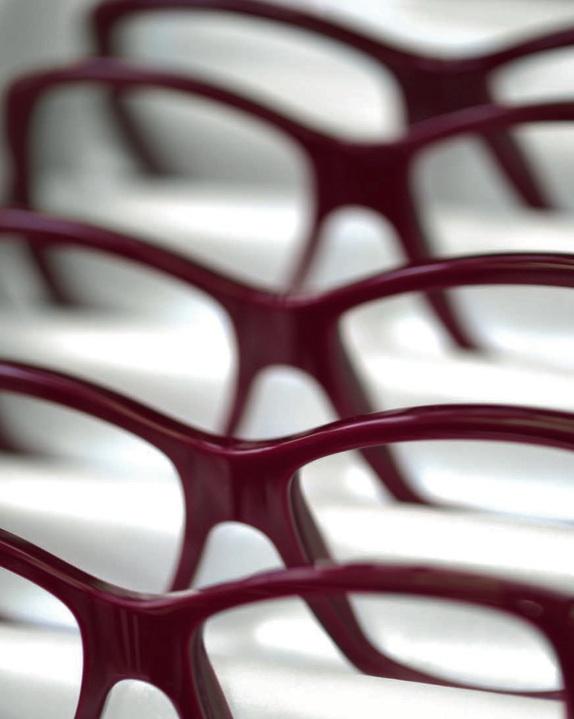 af536fd3b4 La maison Cartier s'est lancée dans les lunettes à partir de 1983.