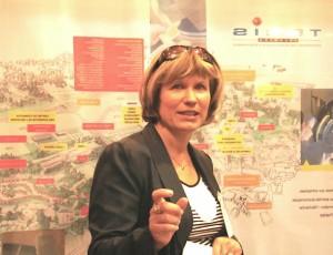 Françoise Decker, chef de projet à l'Adept et responsable du cluster TIS.