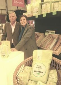 Marie-Lucie Jacquey, directrice des moulins Decollogne et Jacques Denizet, le créateur de la farine bio maison.