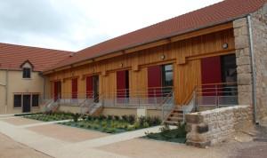 Aménagement de 10 logements dans une ancienne ferme à Laroche-en-Brenil (Côte-d'Or). Photo : Da