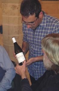 Cyril Ravaux vinifie un vignoble dans le quartier des Bourroches à Dijon.