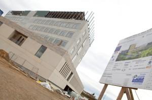 Le bâtiment  en travaux qui abritera les équipes de chercheurs universitaires.