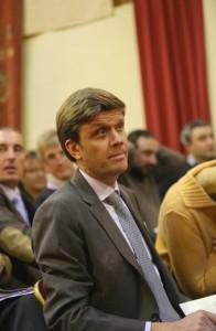 Frédéric Drouhin, en novembre à la vente aux enchères des vins des hospices de Beaune, est pressenti pour être le nouveau président du syndicat des négociants en vins de Bourgogne.  Photo : Jean-Christophe Tardivon.