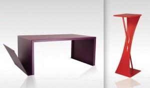 La table basse est réalisée avec 18 plis successifs. A droite, la console renforcée d'un tube soudé pour sa rigidité.
