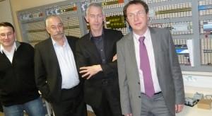 Patrick Tabouret, P-DG (au centre), Bernard Delhomme, directeur général (à droite) et Gilbert Fontaine, animateur du réseau Arcom Energies Services. A leur gauche, Frédéric Verot, DG d'Arcom Bourgone-Franche-Comté.