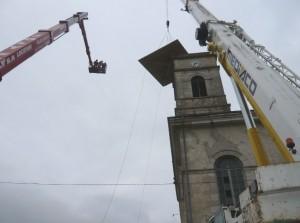 L'église est couverte d'un toit d'une inclinaison de 30 degrés.