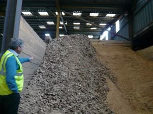Juratri  recueille et transforme 20 tonnes de bois par mois.