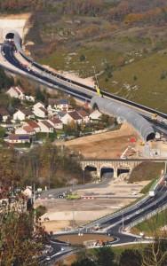 Vue aérienne au débouché du tunnel à Pomblières.