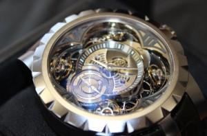 Excalibur Quatuor Silicium,  une montre du fabricant suisse Roger Dubuis commercialisée 850 000 €.