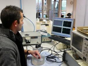 aujourd'hui on cherche à détecter des éléments de plus en plus petits, d'une centaine de microns.