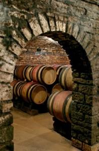 Cave du premier domaine bourguignon de Vincent Sauvestre à Monthelie (Côte de Beaune), où tout a commencé.