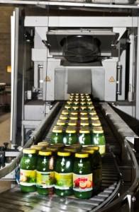 Les jus de fruits autrichiens Pago à la sortie de la nouvelle ligne de conditionnement.