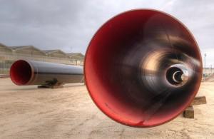 19 000 de ces gros tubes seront nécessaires pour réaliser l'Arc de Dierrey. Photo : Frédéric Marais.