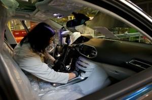 A compter du 2 juin, 180 véhicules 308 sortiront chaque jour de l'usine PSA Sochaux.