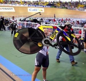 L'Allemande Kristina Vogel, l'une des championnes de la semaine colombienne avec son vélo Look.