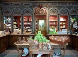 L'intérieur d'un des magasins de Mulot et Petitjean à Dijon.