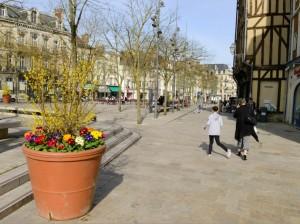 L'embellissement de la ville est reconnu par les adversaires du maire sortant, mais ils critiquent son attachement aux « pierres » plus qu'aux « hommes ». Phto : Frédéric Marais.