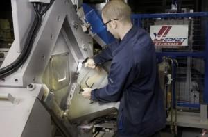 L'entreprise exporte 76% de ses équipements de sciage, cisaillage, découpe, perçage, poinçonnage, marquage, chargement et déchargement automatisé presque partout dans le monde.